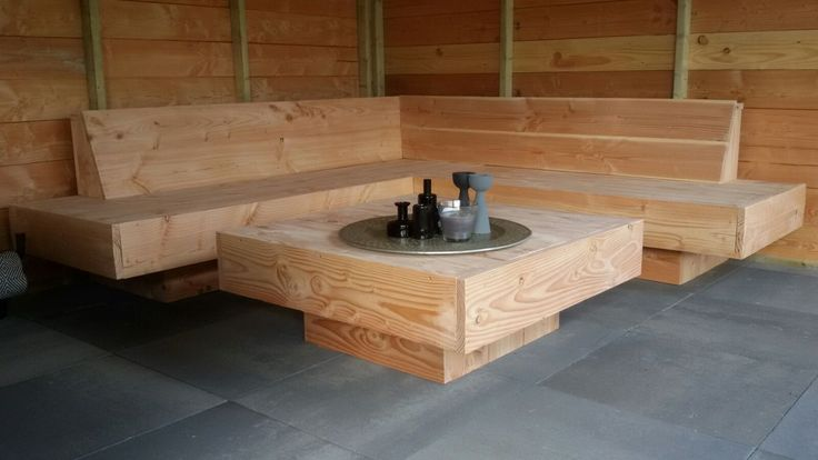 Grote loungebank | hoekbank voor buiten | houten XL hoekbank / loungebank | Douglas hout | loungehoek in de tuin | buiteninrichting | buitenleven | tuin inspiratie | VanStoerHout