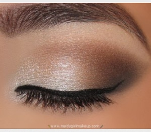 Perfect smokey eye, beautiful for all eye colors.