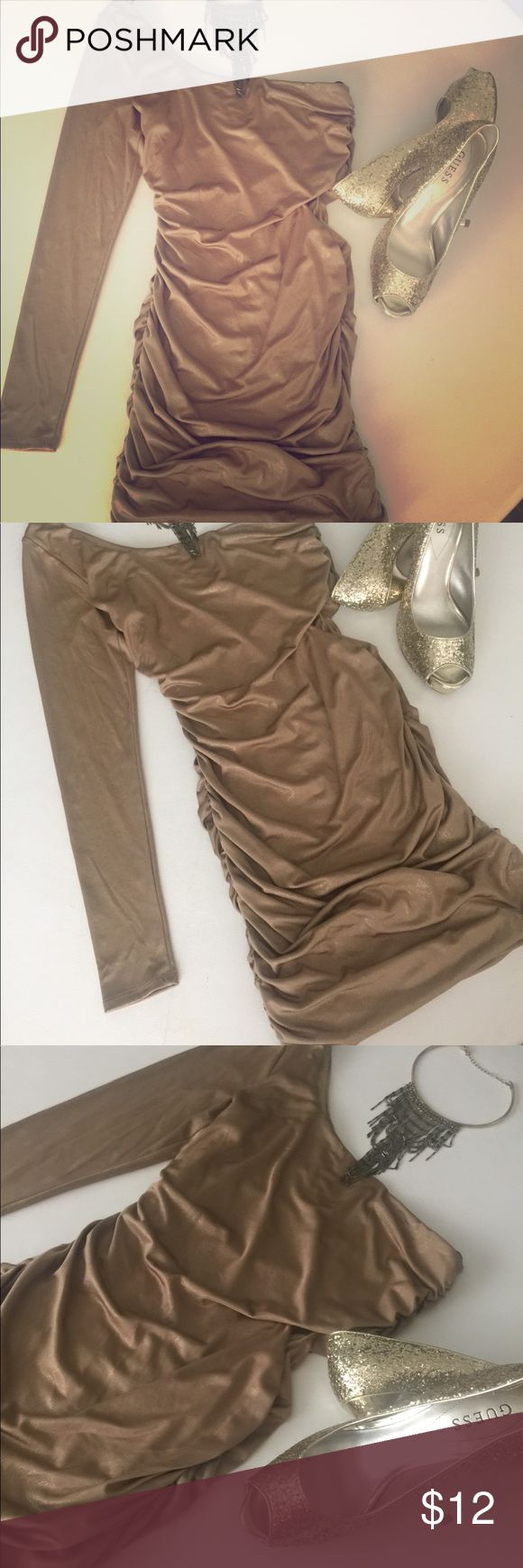 Forever XXI One shoulder gold shiny dress! Size S Super sexy Forever XXI gold shimmer dress! One shoulder and the other sleeve is long sleeve. Dress is form fitting and accents every curve. Pair with a necklace and pumps! Happy New Years!!!! Forever 21 Dresses One Shoulder