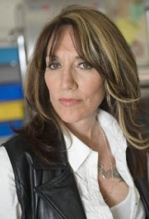 Katey Sagal- Love her in Futurama as Lela, in Married with Children, and now Sons of Anarchy. <3