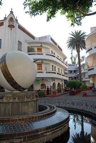 Peligra historia en Polanco; no los detiene ni el INBA. Upscale Polanco neighborhood in Mexico City.