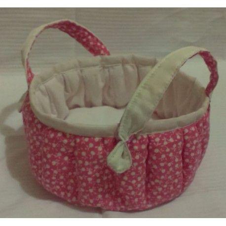 Nádherný látkový košík z bavlněné látky s potiskem, vnitřek košíku e v bílé barvě. Vatelínová vyplň. Lze prát do 40° C.  Košík je vhodný k dennímu užití či jako dekorace.