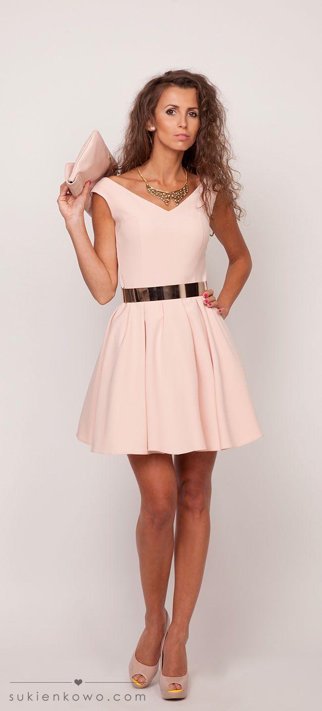 sukienka rozkloszowana różowa, sukeinki na wesele