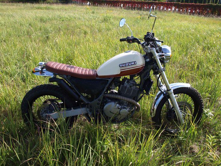 Suzuki xf650 freewind scrambler.