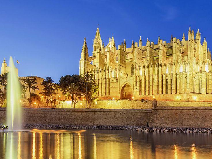 Chez ebookers.ch tu trouves les meilleurs offres de vacances pour Majorque à prix imbattable. Par exemple 3 nuits au hôtel 4 étoiles avec vol à seulement 191.-.  Réserve ici tes vacances à Majorque: http://www.besoin-de-vacances.ch/offres-de-vacances-pour-majorque-avec-vol-et-hotel/