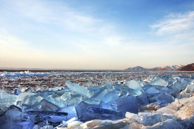 IJskristallen op het Baikalmeer
