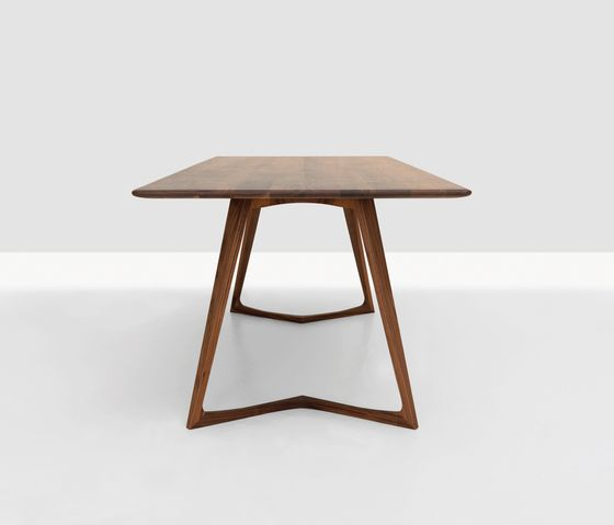 Tables de repas | Tables | Twist | Zeitraum | Formstelle. Check it out on Architonic