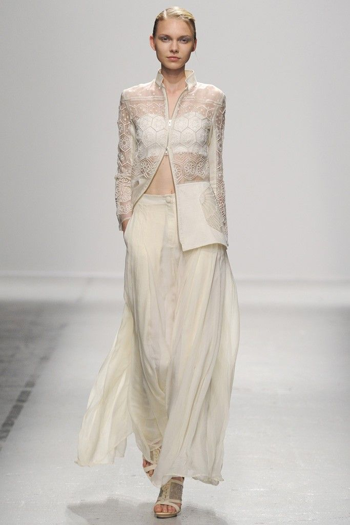 Rahul Mishra RTW Spring 2015 - Slideshow, #fashion, #dress, #lace