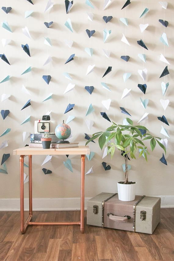 Papierflieger Hintergrund | Hochzeitszeremonie Hintergrund | Fotohintergrund | Handgefaltete Papierflugzeuge | Reisethema-Party – Theme Party
