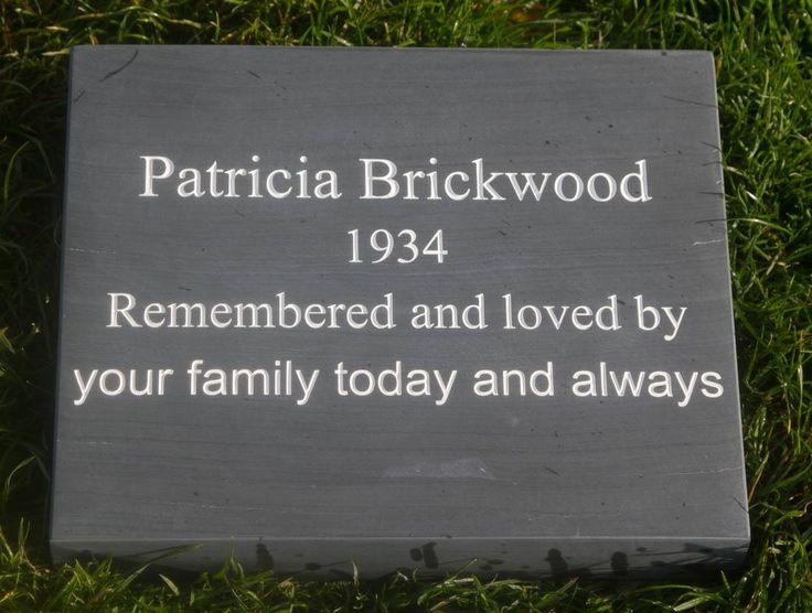 how to write a memorial plaque