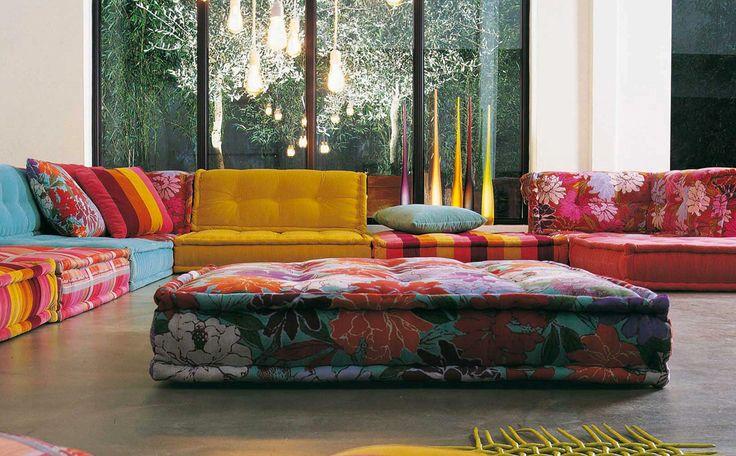 Door de Europese manier van wonen te combineren met Marokkaanse invloeden kan je tot een wel heel funky geheel komen. Bovenstaande zetels van Roche Bobois doen het beste van twee werelden samensmelten.