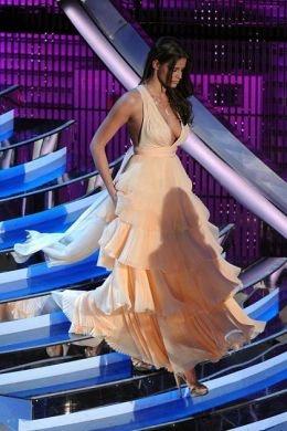 Sanremo 2012 Ivana Mrazova veste Ferragamo