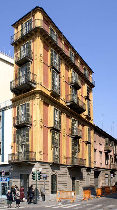 Casa Scaccabarozzi in Turijn wordt ook welLa Fetta di Polenta genoemd ofwel De…