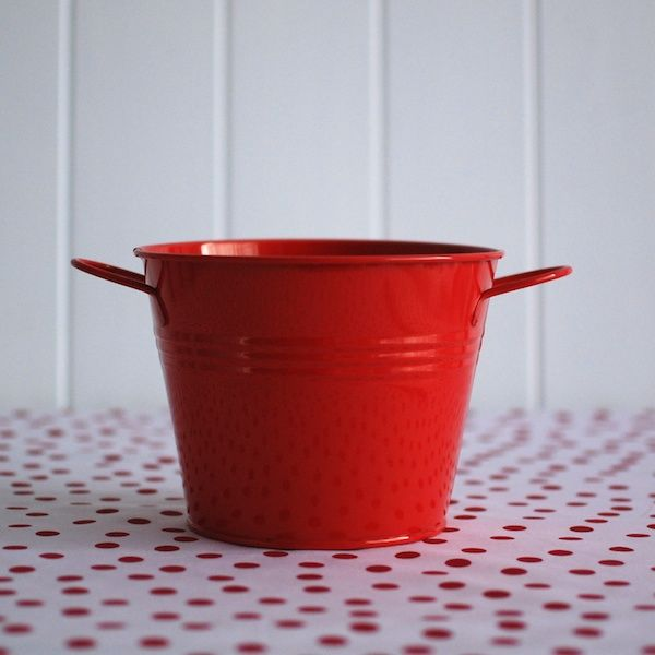 Tin Pail + Side Handles Red. For more information Please take a moment to visit our website : https://www.redplumlinen.com.au/