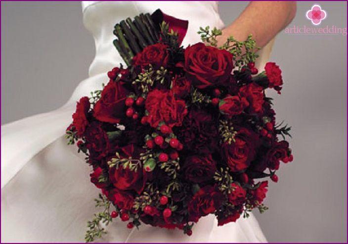 Czerwony bukiet ślubny - jakie kolory i odcienie w połączeniu (zdjęcie)