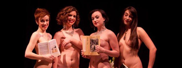 VIDEO: Femei goale şi frumoase citind literatură bună în public