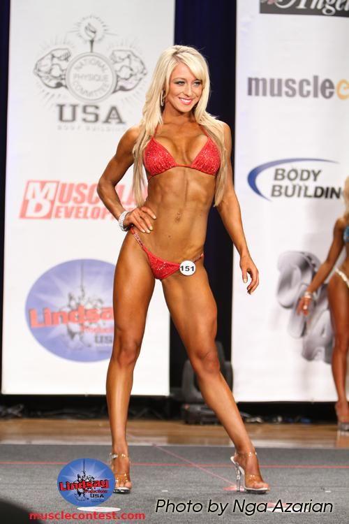 Top 10 Bodybuilding Show Tips for Bikini Competitors