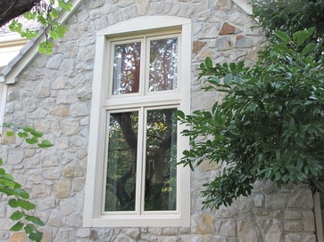 The new Windsor Pinnacle Casement window blends seamlessly with the window above it, as well as the rest of the home.  Sold and installed by: Paint Pro, Inc., Overland Park, Kansas  http://www.windsorwindows.com http://www.houzz.com/pro/windsorwindows https://www.facebook.com/WindsorWindows