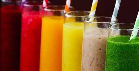 1. Borůvkové  Smoothie  Tato smoothie je skvělá pro vaše zdraví, aletaké plná  antioxidantů, fytochemikálií a flavonoidů, které jsou životně důležité pro buněčné zdraví a prevenci nemocí.