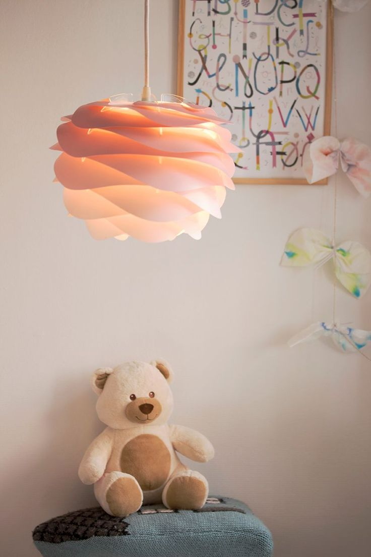 Time to wake up the kids for a bright and colourful Sunday with the Carmina Mini lampshade in baby rose.