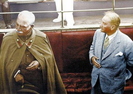 Genelkurmay Başkanlığı, Atatürk için özel bir site hazırladı. Sitede Atatürk'ün renklendirilmiş fotoğrafları da var.