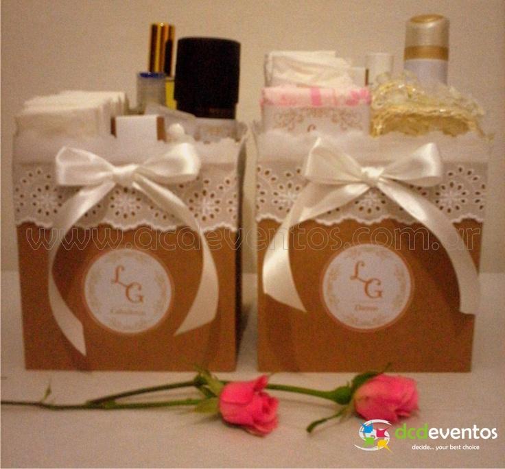 Kit femenino y masculino personalizado. Contacto: www.dcdeventos.com.ar