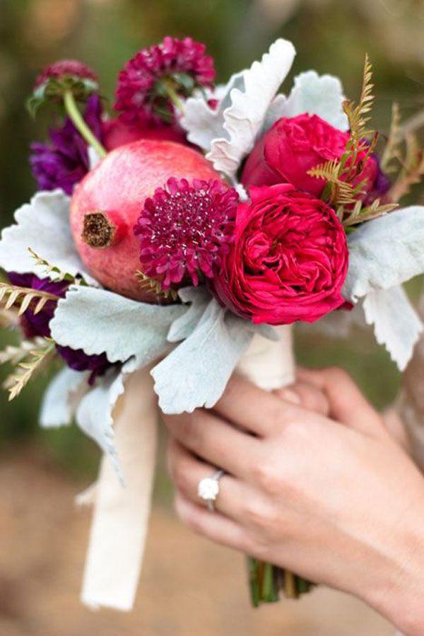 pomegranate bouquet http://weddingwonderland.it/2015/11/fiori-per-un-matrimonio-autunnale.html