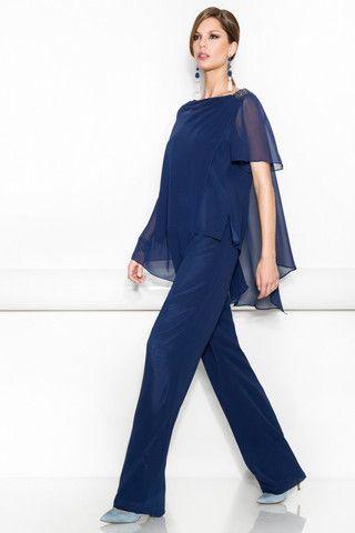 http://www.boutiqueclara.com/collections/vestidos-de-madrina/products/traje-de-mono-con-chaqueta-modelo-me901-che402