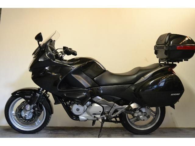 HONDA DEAUVILLE 680 cc NT 700 VA-7 Great value commuter - http://motorcyclesforsalex.com/honda-deauville-680-cc-nt-700-va-7-great-value-commuter/