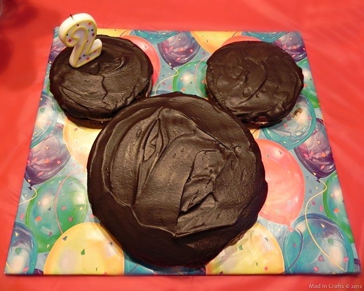 """Mickey Mouse Cake 