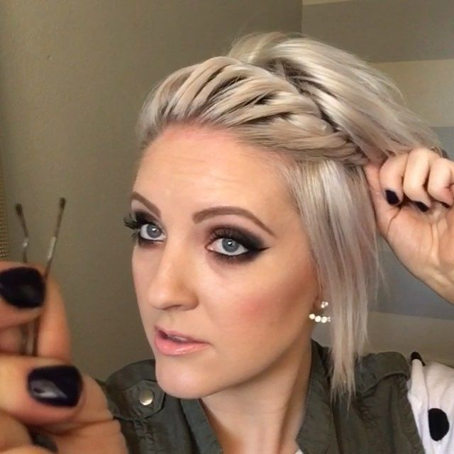 And the last clip is how I love to secure the twist really tight only using a single Bobby pin. Full video link is in the bio. #shorthairtutorialmonday #shorthairstyles #twist #pixiestyles #dirtyhairdiaries #dirtyhair #nothingbutpixies #shorthair #simplehairdo #hairtutorial #emilyandersonstyling