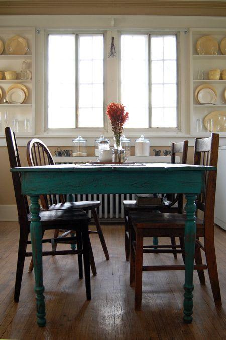 paint our kitchen table teal www.acaseofthemondays.com