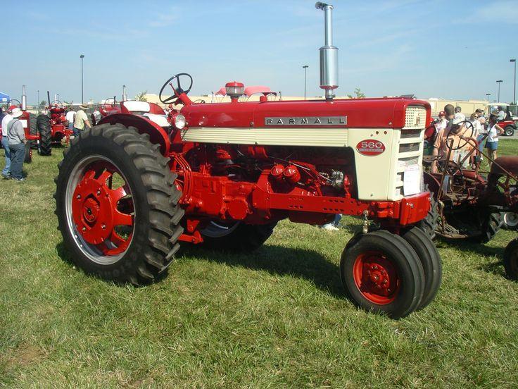 1961 Farmall 560 Diesel
