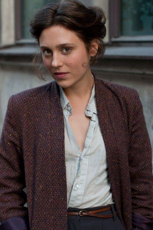 Via Copenhagen Street Style. (http://copenhagenstreetstyle.dk/vintage-darling/) See more fashion on the Beauty Cops website.