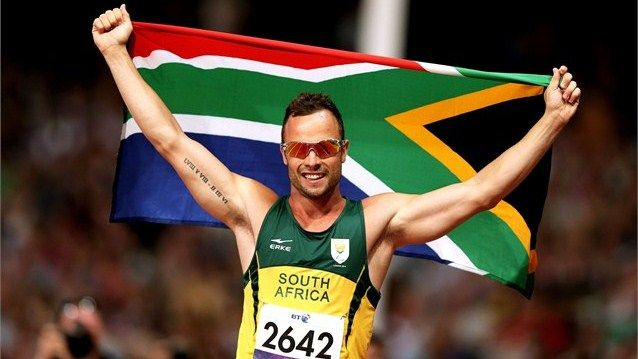 Oscar Pistorius of South Africa celebrates winning gold in the men's 400m T44 Final