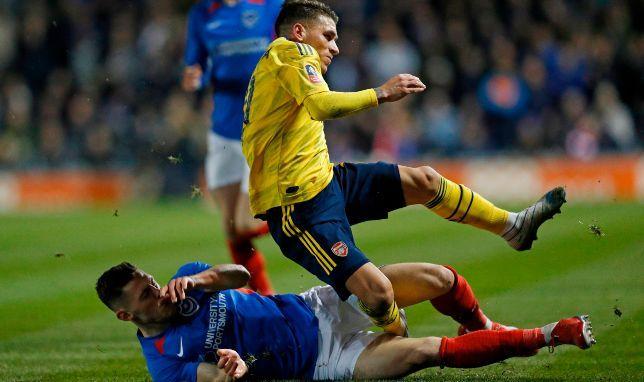 رسميا آرسنال يفقد خدمات توريرا لفترة طويلة بسبب الإصابة سبورت 360 أعلن نادي آرسنال الإنجليزي عن غياب نجمه الأوروجواني Soccer News Midfielder Soccer Boys