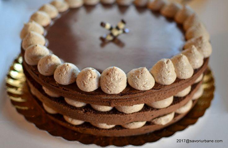 Tort Cappuccino cu crema de mascarpone si lichior de cafea. O reteta simpla de tort naked (dezbracat) cu crema fina de mascarpone cu ness, glazura oglinda