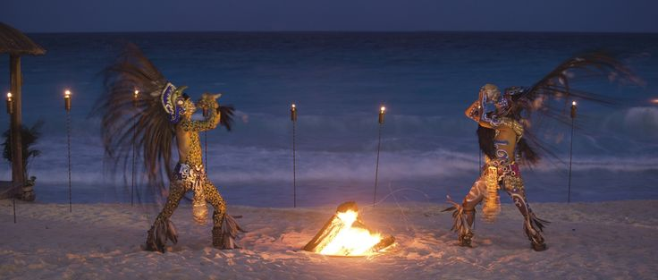 Explore the intriguing Mayan region through our compelling calendar of events at The Ritz-Carlton, Cancun.