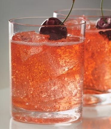 this is going to be my summer drink!  Dirty Shirley: cherry vodka, grenadine, sprite. Adult Shirley Temple? - Click image to find more food & drink Pinterest pins