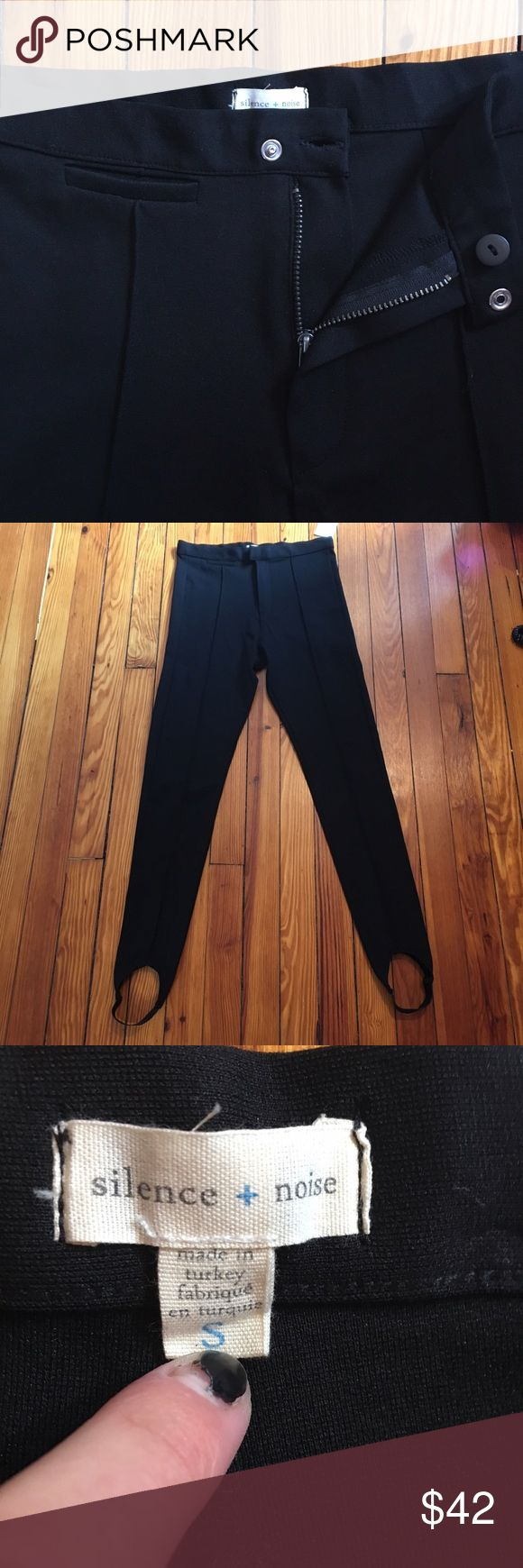🖤 Urban Outfitters Stirrup Thick Black Leggings Silence + Noise brand from Urban Outfitters! Similar to a riding pant, these enhanced leggings have elastic stirrups, zip button & snap closure, soft stretchy thick material and slimming vertical seams in pure black. New with tags, only ever tried on. Very comfy. Size small 27 inch waist with stretch. Please feel free to ask any questions and make offers! 🌞 Urban Outfitters Pants Leggings