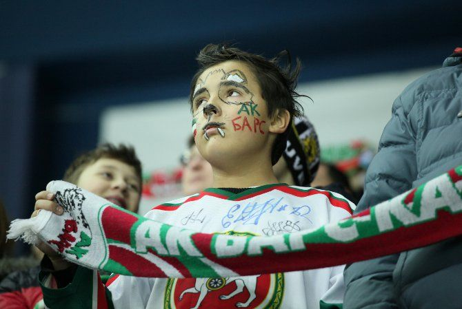Хоккеисты казанского «Ак Барса» провели в Праге второй матч на  предсезонном турнире. На этот раз соперником был извечный оппонент  казанцев - уфимский клуб «Салават Юлаев».