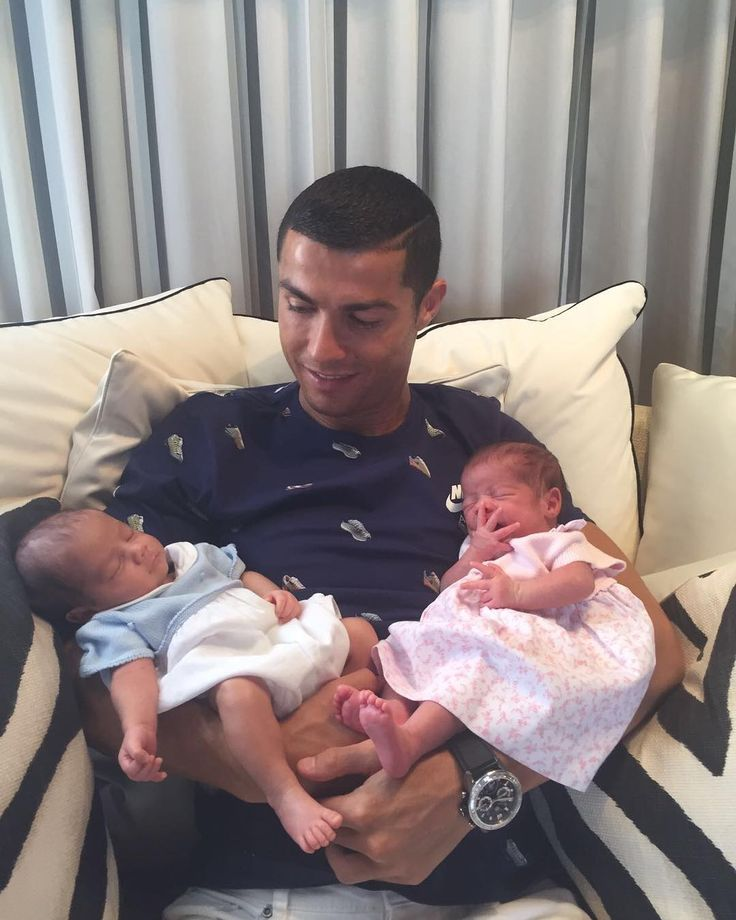 """8m Likes, 193.2k Comments - Cristiano Ronaldo (@cristiano) on Instagram: """"So happy to be able to hold the two new loves of my life ❤"""""""