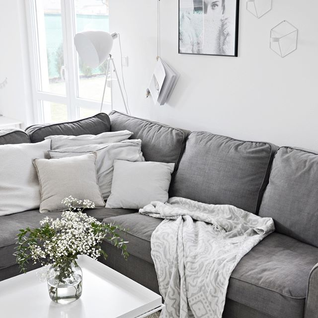 1000 Ideas About Gray Living Rooms On Pinterest: 1000+ Ideas About Gray Couch Decor On Pinterest