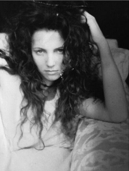 Beginjaren 19821986 Na enkele mislukte projectenwaaronder AXL Rose LA Guns en Hollywood Roserichtte Rose met Stradlin en enkele medemuzikanten in 1985