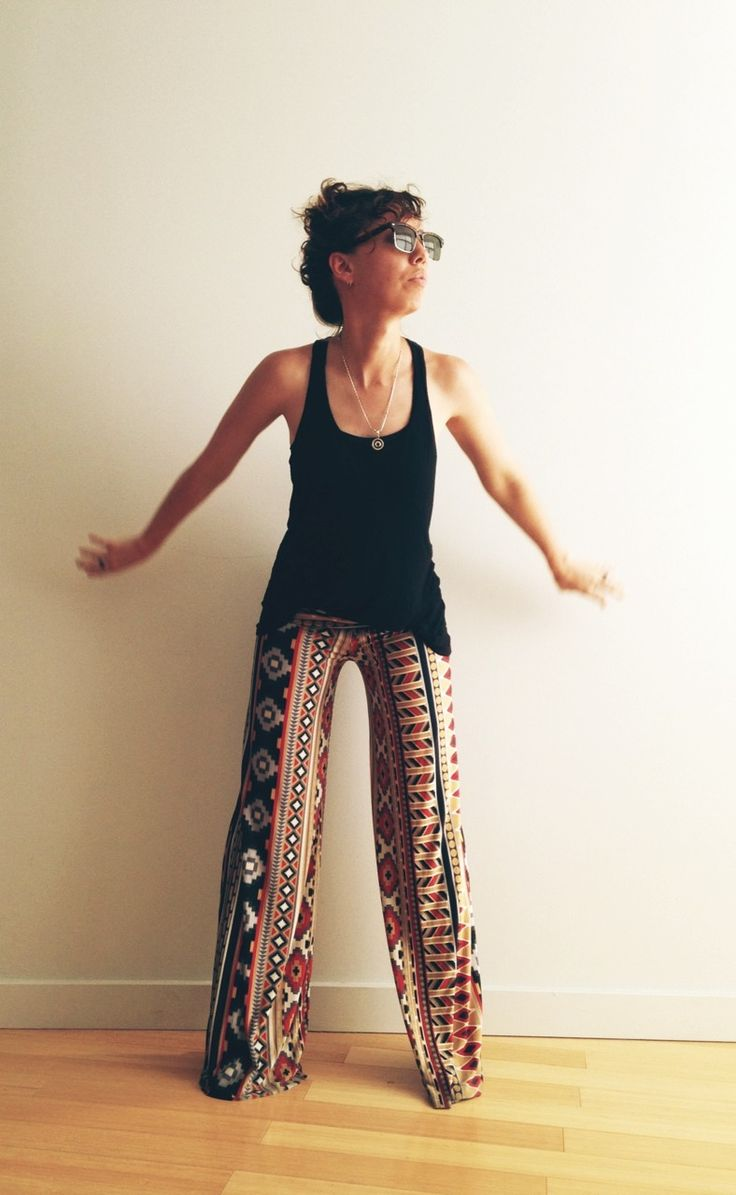 Versatile outfit that stays cool during summer.  Arizona yoga pants: Paisley Rooster.  Shirt: H&M.  Glasses: clubmaster's.