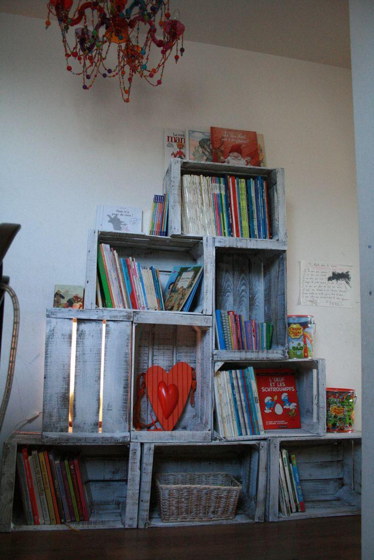 les 99 meilleures images propos de palette et caisses sur pinterest cageots armoires et tables. Black Bedroom Furniture Sets. Home Design Ideas