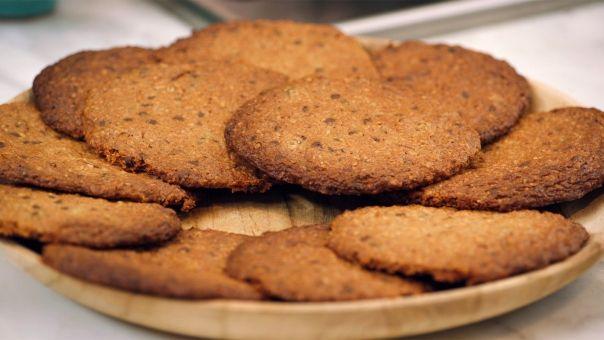 Eén - Dagelijkse kost - Havermoutkoekjes van sofie, met bruine suiker, rozijnen en gewoon chocolade