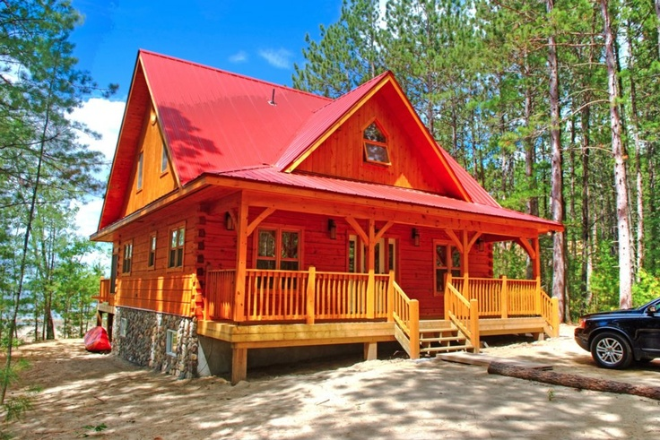 Our Cottage Style Northern Hideaway Model Timber Frame Home #TimberFrame #Log #Custom #NorthernHideaway #DiscoveryDreamHomes   www.discoverydreamhomes.com