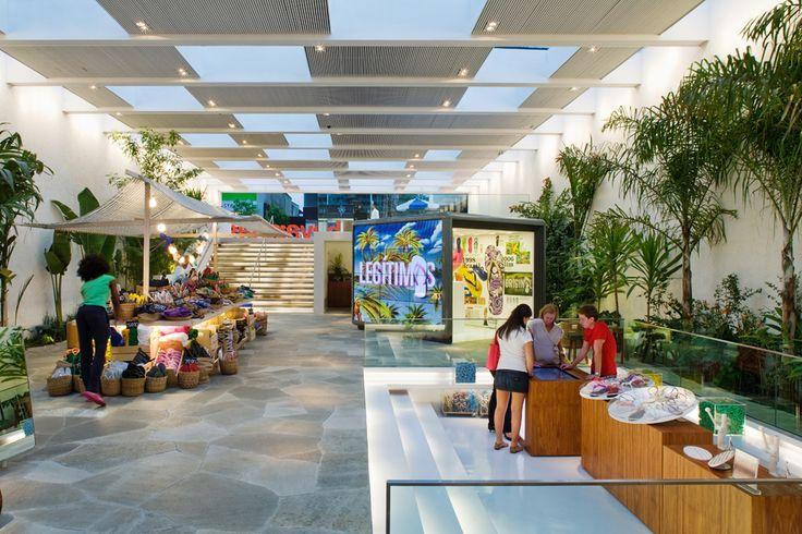 Havaianas Store / Isay Weinfeld