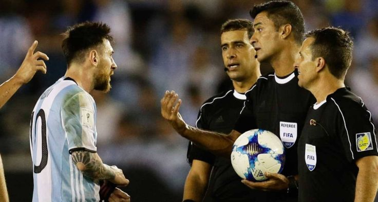 Here's The #Video Of #Messi Yelling At The #Referee. #ref #Lionel #LionelMessi #soccerplayers #soccergame #soccerfights